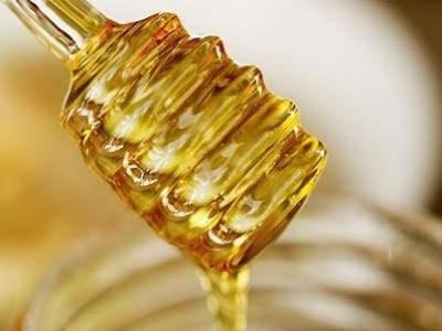 Ingrijirea parului cu miere de albine